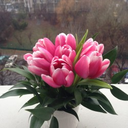 Aranjamente florale in ceramica cu lalele