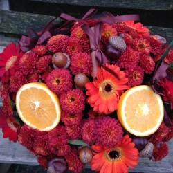 Aranjament floral in cufar