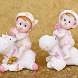 Marturii ieftine botez fete 141782G : bebe hipo roz – 7,5 x 5 cm – 4,5 lei /buc(marturii set 2 buc – comanda trebuie sa fie numar par)