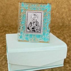 Marturii ieftine botez baieti: iconita sticla cu margine bleu C30802B – 7 lei/buc (pretul include cutiuta bleu)