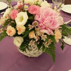 Aranjamente florale nunta si botez pentru mese in cosulte AN026 – 75 lei