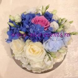 Aranjamente florale nunta si botez ieftine hortensie si trandafiri AN025 115 lei