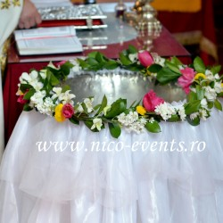 Cristelnita botez fetita Bucuresti cu crizanteme, lalele si orhidee CB004