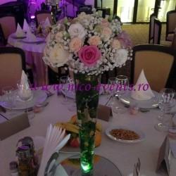Aranjamente florale nunta Bucuresti cu floarea miresei, trandafiri, miniroze si lisantius- nunta Hotel Bucharest West Park – AN002 – 120 lei