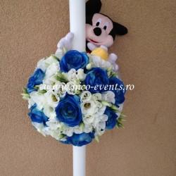 Lumanari botez baietel cu trandafiri albastrii, lisantius alb si Mickey Mouse LBN020