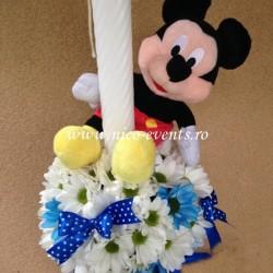Lumanari botez baietel cu crizanteme si Mickey Mouse LBN009