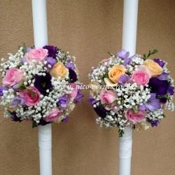 Lumanari nunta cu lisantius, trandafiri, frezii si gipsofila LN009 – 799 lei/perechea