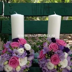 Lumanari nunta scurte cu trandafiri, lisantius si frezii LN001 – 489 lei/perechea