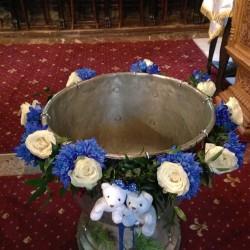 Cristelnita botez gemeni cu crizantema si trandafiri CB009