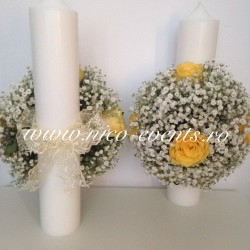 Lumanari cununie 40 cm cu floarea miresei si trandafiri galbeni LN061 – 399 lei/perechea