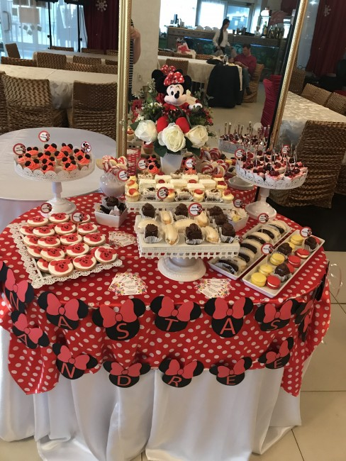 Candy Bar Tematic Botez Minnie Mouse Candy Bar Tematic Nunta Candy